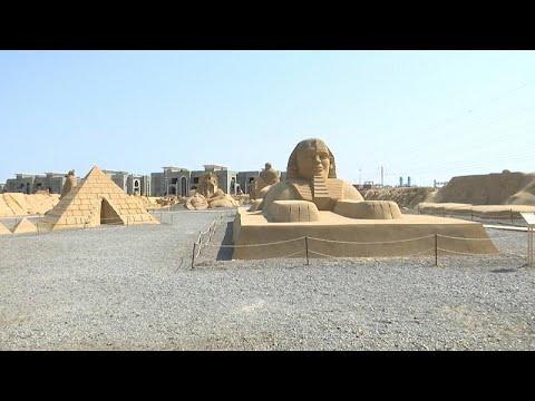 شاهد: تماثيل لأيقونات فرعونية وعالمية معاصرة بمتحف للرمال في مصر…  - نشر قبل 3 ساعة