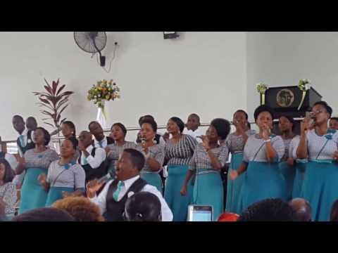 Nikubali - Neema Gospel Choir (Live)