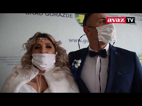 Ljubav jača od korone: U Goraždu sklopljena tri braka A SZERELEM ERŐSEBB A VÍRUSNÁL: A kelet-boszniai Goraždeban három házasság köttetett a hétvégén A SZERELEM ERŐSEBB A VÍRUSNÁL: A kelet-boszniai Goraždeban három házasság köttetett a hétvégén hqdefault