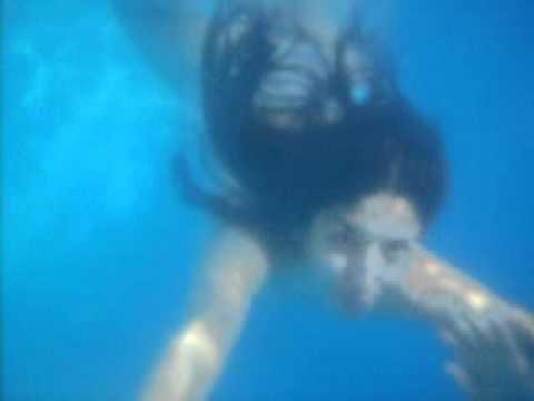 Eileen bajo el agua youtube for Imagenes de hoteles bajo el agua
