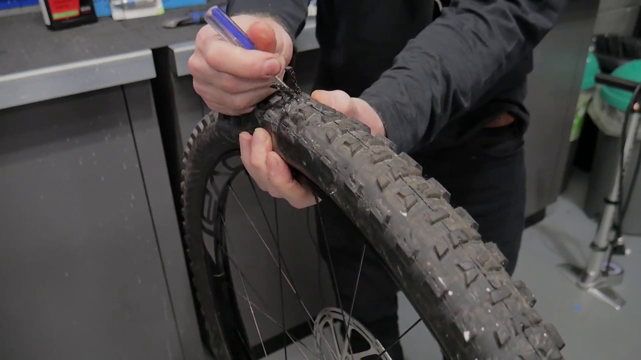 How to fix a tubeless puncture in 3 Easy Steps | Tredz Bikes