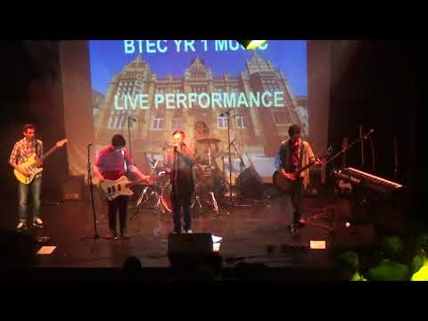Bands 1 & 2 - BTEC YEAR 1 PERFORMANCE