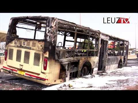 Un bus de Dakar Dem Dikk brulé sur la route de Yoff