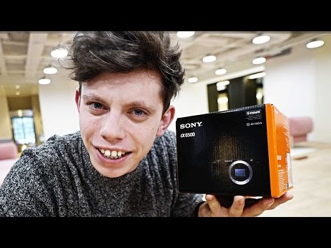 I bought the BEST Vlogging Camera for 2017!!