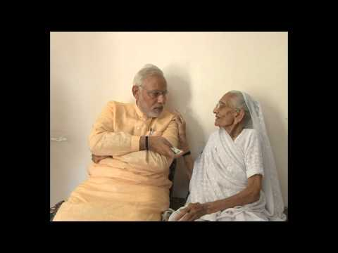 Shri Narendra Modi seeks blessings from his mother, few days before being sworn-in as PM