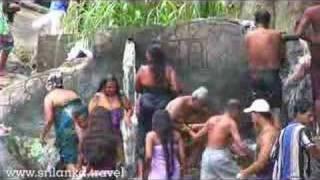 Repeat youtube video Best of Sri lanka Video Ellas Fall