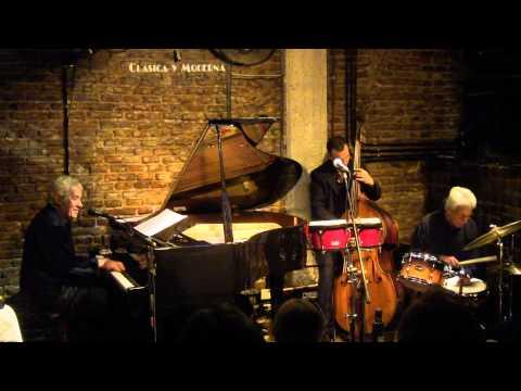 AL DIABLO LA NOCHE - Novarro + Navarro - www.martinwullich.com