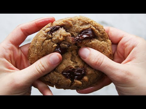 The Best Ever Vegan Chocolate Chip Cookies