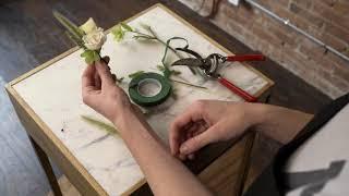 Mayesh Design Star: Maĸing & Pinning a Boutonniere