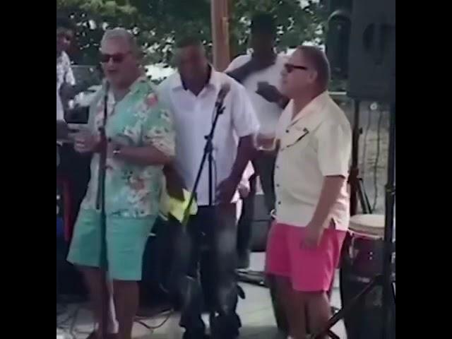 Circula en las redes video de Gonzalo Castillo cantando y bailando