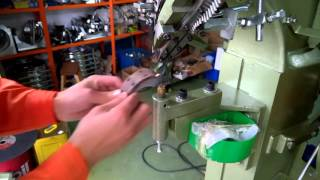Solid Rivets Auto Feed Riveting Machine used on brake shoe lining