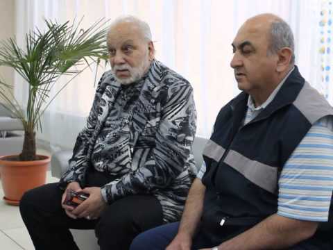 Бедрос Киркоров поёт и разговаривает на армянском языке