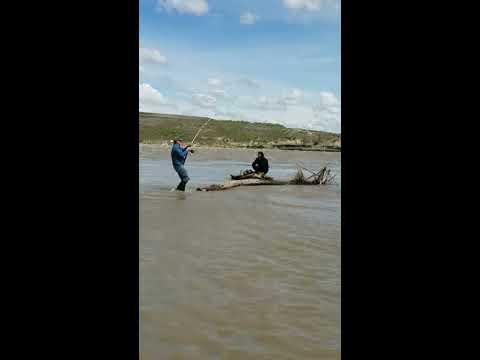 Paddlefishing Glendive Mt At Intake