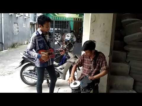 Bagai Langit Dan Bumi Cover By Duo Pengamen Jalanan Surabaya