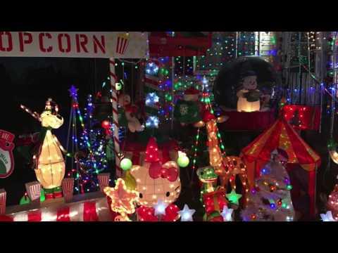 Christmas lights in Danvers MA - YouTube
