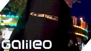 Selbstversuch: Mit der Burka durch das Hamburger Rotlicht-Viertel | Galileo | ProSieben