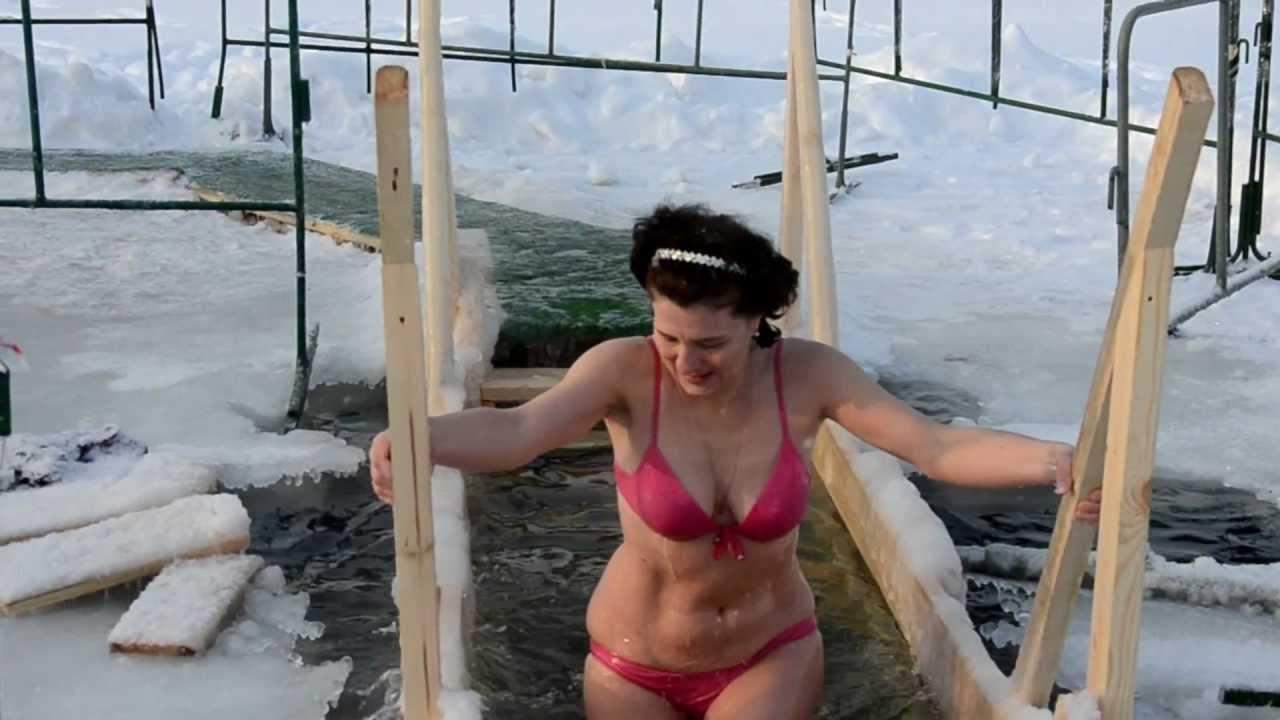 Фото крещение купание женщины