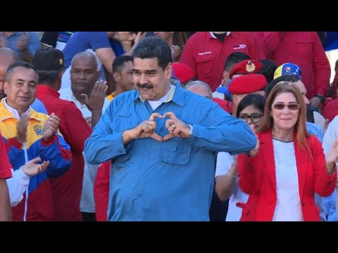 Venezuela government calls for presidential vote by end April
