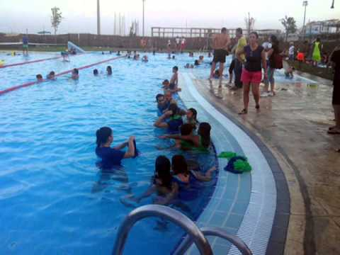 Diver ocio piscina municipal de burguillos sevilla youtube for Piscina villalba