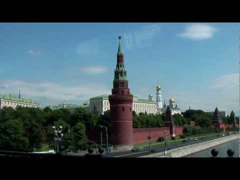 1001 Adventure Tours | Travel Blog - Travel Minute | Moscow Kremlin - Moskva River