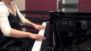 ラジオで流れていて、とても悲しい素敵な曲だったのでピアノで弾いてみ...