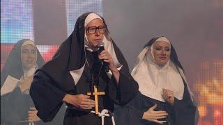 Zuster Katharina brengt een ode aan onze Paus | Tegen de Sterren op | VTM