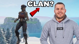 Fake Standard Skill tries to come into my RENEGADE RAIDER clan and pass..! (Fortnite)