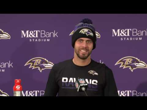 Ravens K Justin Tucker Comes To Podium After Win, Has No Idea What To Do So Tells Joke