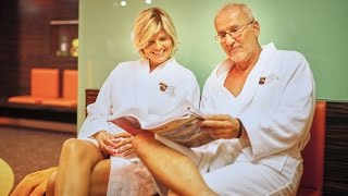 """Hotel Európa fit****superior – Hévíz: Heilkur mit Frau Dr Moll(Das Hotel Európa fit****superior Kur- und Wellnesshotel in Hévíz - das die """"Hotel des Jahres 2014"""" Auszeichnung gewonnen hat - liegt 400 m vom Hévízer ..., 2015-12-04T13:59:09.000Z)"""