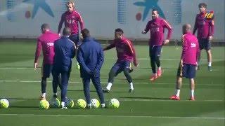 Sessão de formação de FC Barcelona antes de enfrentar o Getafe