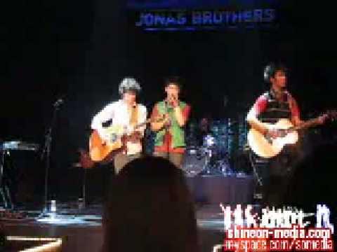 Jonas Brothers - Eternity Music Video (Live!)