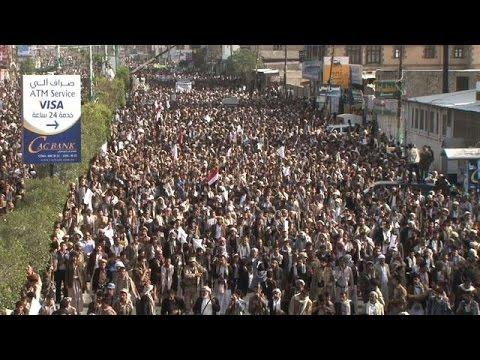 Yémen: des partisans des rebelles Houthis manifestent à Sanaa
