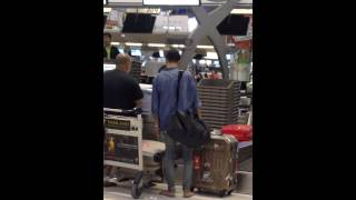 Video 150216 Bang Yongguk at Suvarnabhumi Airport (2) download MP3, 3GP, MP4, WEBM, AVI, FLV Agustus 2018