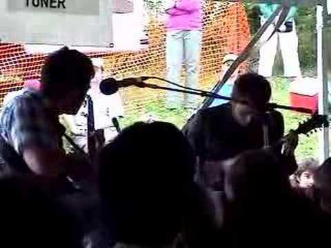 """Chris Thile & Noam Pikelny """"O Santo De Polvora"""" at Grey Fox"""