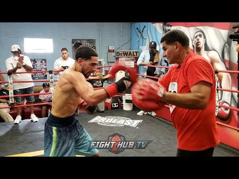 DAMN! DANNY GARCIA THROWING BOMBS ON THE MITTS LOOKING TO KO SHAWN PORTER!