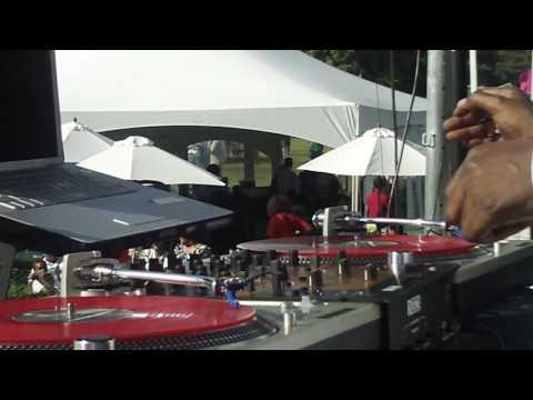 The Legendary DJ Grandmaster Flash!