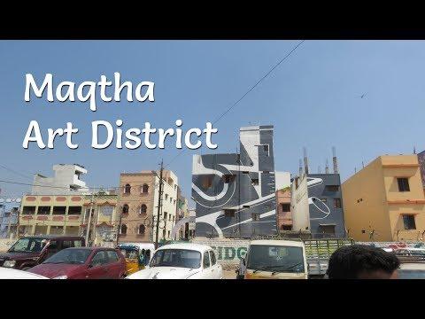 Touring street art in an urban slum