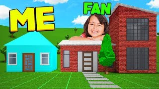 ROBLOX BLOXBURG FAN VS ME BUILD OFF CHALLENGE!!