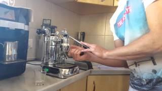 La pavoni professional- making the perfect maciato  (full process) לה פבוני