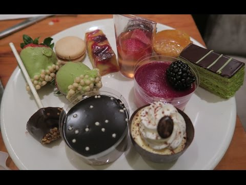 The BEST Buffet in Las Vegas! Caesars Palace Bacchanal Buffet Dinner Edition
