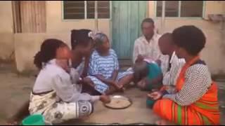 Download Video Mkali wenu akiwafundisha jinsi ya kula mama ashura ebitoke na bwana mjeshi MP3 3GP MP4