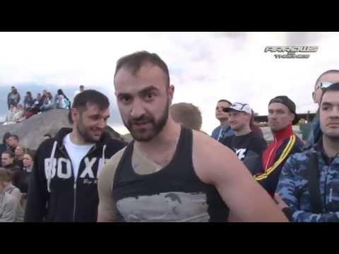 Boxer vs MMA fighter in Street Fight