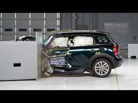 2014 Mini Cooper Countryman driver-side small overlap test