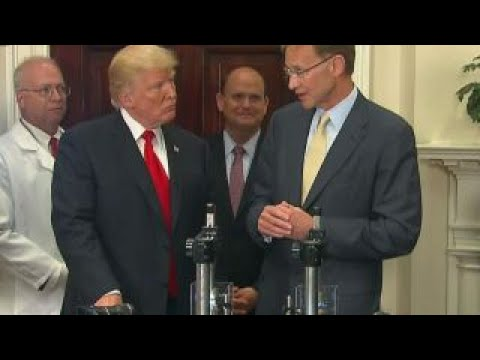 Corning CEO reveals new Valor Glass with Trump at the White House