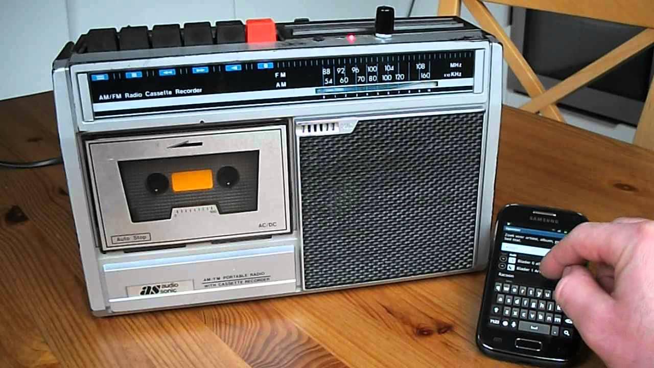 Retro internet radio using SqueezeLite on Raspberry Pi - YouTube