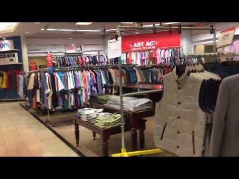 Shopping at Crossgate mall, Albany, New York, USA.