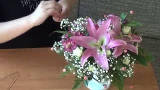 Изготовление букета (Оазис) с цветами ♥Лилии, Альстромерия, Кустарные розы♥ на заказ(ДС Ваш Сладкий Букет http://www.dsvsb.ru/ Мы на YouTube https://www.youtube.com/channel/UCEVs1MRnNRRJ86z2FS5Bu_Q Мы в ВКонтакте ..., 2016-06-03T13:37:25.000Z)