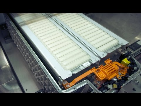 Mercedes Plug-in-Hybrid Battery M 14-1 Production
