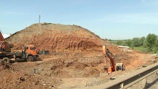 У рухнувшего моста по Терешковой активизировалась строительная техника