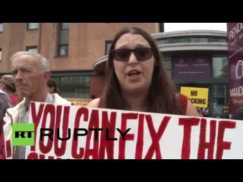 UK: Anti-fracking campaigners rally outside oil and gas summit